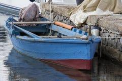 Cagliari: barco velho no harbo Imagem de Stock Royalty Free