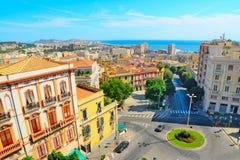 Cagliari cityscape på en klar dag arkivbild