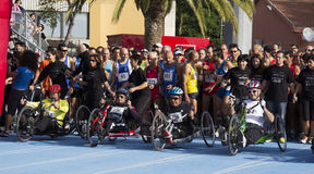 CAGLIARI, ITALIE - 4 novembre 2012 : 5ème marathon de moitié - 4ème Delio commémoratif Serra - Sardaigne Photo stock