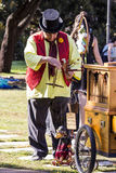 CAGLIARI ITALIEN - Maj 29, 2016: söndag på La stora Jatte VIII Ed , På de offentliga trädgårdarna - Sardinia Royaltyfri Foto