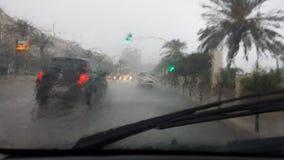 Cagliari, Italien - 1. Oktober: Flut durch die Straßen des c lizenzfreie stockbilder
