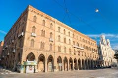 Cagliari Italien: Slottslott Vivanet och stadshus av Cagliari Royaltyfri Foto