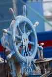 Cagliari: Rudder stara łódź - Sardinia Zdjęcie Royalty Free