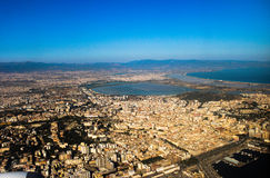 Cagliari vom Himmel Lizenzfreies Stockfoto