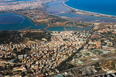 Cagliari vom Himmel Stockbild