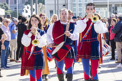 CAGLIARI WŁOCHY, Październik, - 29, 2016: Invitas, nabrzeże Porto, Sardinia tradycje, występy i jedzenie, Obraz Royalty Free