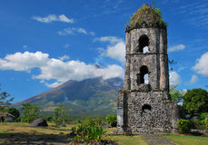 Cagsawa Church And Mayon Volcano Royalty Free Stock Images