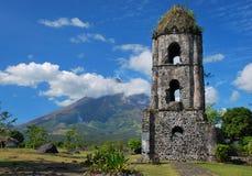 Cagsawa church and Mayon volcano Royalty Free Stock Images