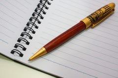 Cahier et crayon lecteur Image libre de droits