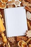Cahier pour des recettes Photos stock