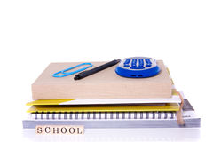 Cahiers et fournitures scolaires Images stock