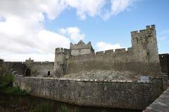 Cahir-Schloss und seine große Wand in Irland Lizenzfreies Stockbild