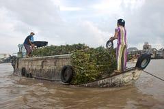 Cai звенел плавая рынок Стоковые Изображения