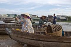 Cai звенел плавая рынок Стоковая Фотография RF