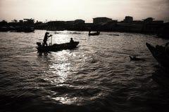 Cai звенел плавая рынок Стоковое Фото