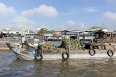 Cai belde het drijven markt, kan Tho, Vietnam stock afbeeldingen