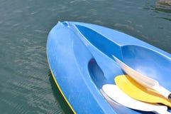 Caiaque azul Imagem de Stock