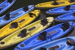 Caiaque para o aluguel no rio Fotografia de Stock