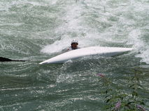 Caiaque virado na água Imagem de Stock