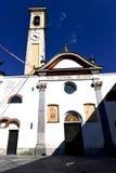 caiello старая церковь закрыло тротуар Италию l башни кирпича Стоковая Фотография RF