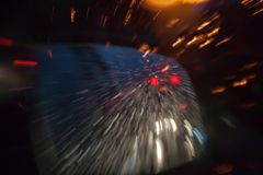 Caiga en el rojo amarillo azul obscurecido del color de cristal del abstrac Foto de archivo