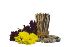 Cailloux, fleurs et bambou Images libres de droits