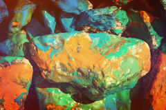Cailloux peints dans différentes couleurs Image stock