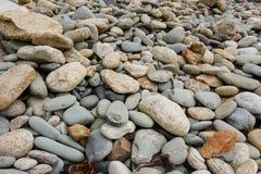 Cailloux sur la côte Images libres de droits