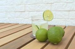 `Caipirinha` on a wood table Royalty Free Stock Photography
