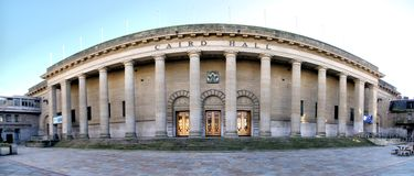 Caird Hall in Dundee, Scotland. This doric column fronted stone building in the city centre of Dundee in Scotland is a theatre, event and concert auditorium Stock Photo