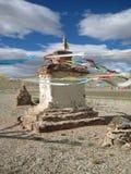 cairn Буддийское stupa, choyten стоковые фотографии rf