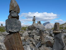 Cairn nello Swissalps al passaggio del distretto di Albula Immagini Stock Libere da Diritti
