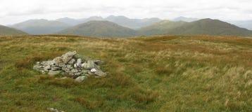 Cairn sur Beinn Dubh, Trossachs, Ecosse images stock
