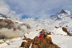 Cairn vicino a Annapurna Basecamp Fotografia Stock