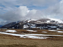 Cairngorms山,苏格兰在春天 免版税库存图片