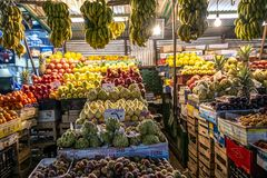 18/11/2018 Cairo, Egypt, counters with a variety of exotic fruits in the night bazaar. In the center of the African capital stock image