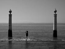 Cais在商务正方形,里斯本,葡萄牙的das Colunas 免版税库存照片