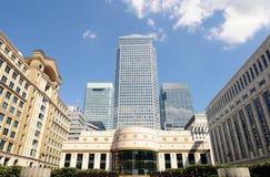 Cais amarelo Londres Inglaterra Reino Unido do quadrado de Cabot Foto de Stock