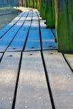 Cais congelado da madeira no inverno Imagem de Stock Royalty Free