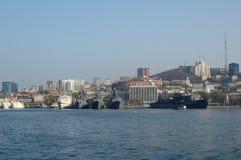 Cais da expedição (estágio) no porto russian. foto de stock