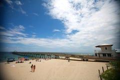 Cais da praia de Deerfield imagem de stock