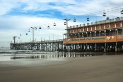 Cais de Daytona Beach no dia chuvoso em Florida imagem de stock royalty free