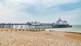 Cais de Eastbourne em Inglaterra do sul fotografia de stock royalty free