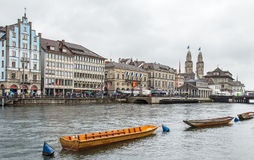Cais de Limmatquai em Zurique durante a parada de Sechselauten Imagens de Stock