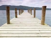 Cais de madeira do lago Imagens de Stock