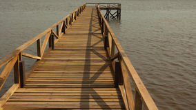 Cais de madeira do rio Imagem de Stock Royalty Free