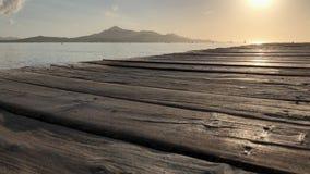Cais de madeira velho, nascer do sol de Majorca filme