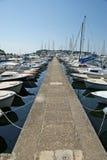 Cais DE PEDRA para barcos e iate, Imagens de Stock