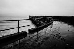 Cais de Shoreham no inverno imagens de stock