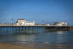 Cais de Worthing, Sussex ocidental, Inglaterra, Reino Unido imagem de stock royalty free